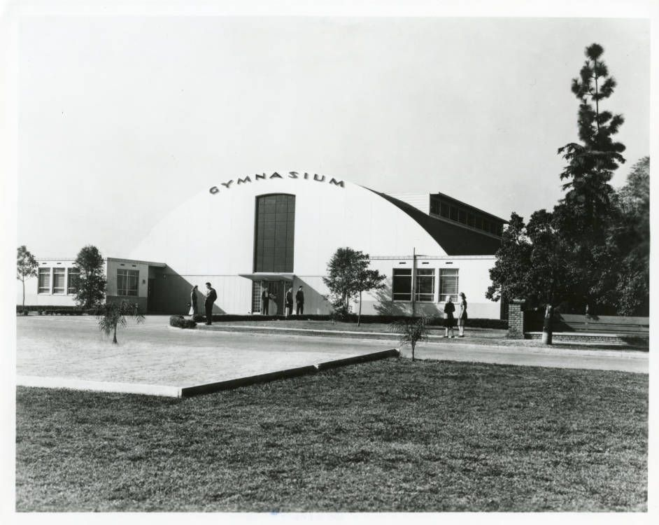 Pepperdine_College_Gymnasium_1943.jpg