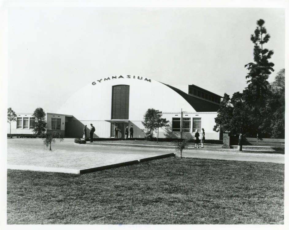 Pepperdine_College_Gymnasium_1943.jpg