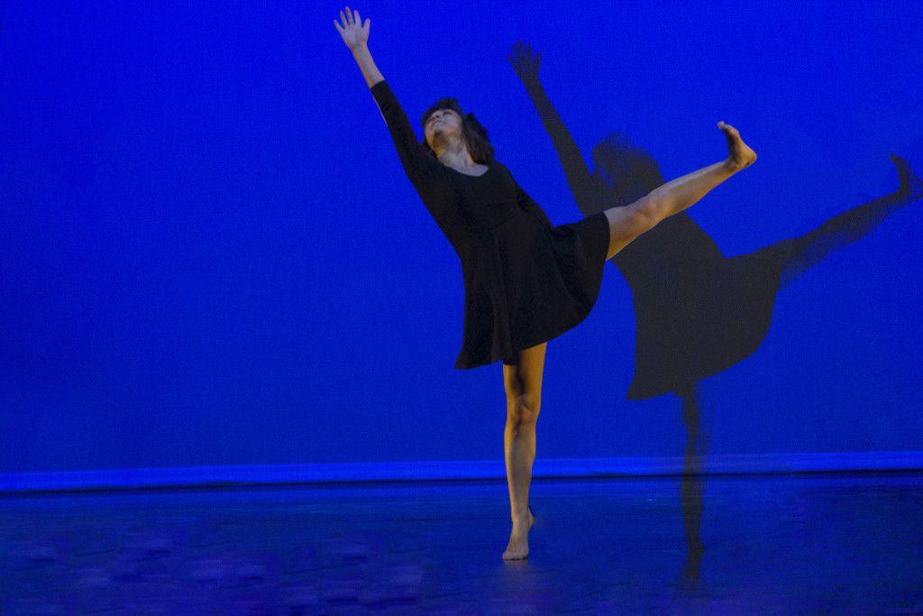 dancer1 online.jpg