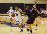 Women's Basketball splits home-road week