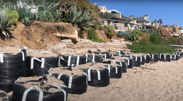 Sandbags near Broad Beach protect Malibu homes. Photo by Jenna Gaertner and Brianna Willis