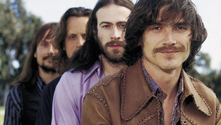 Members of rock band Stillwater pose for the cover of Rolling Stone. The members of the band are played by Billy Crudup (front), Jason Lee, Mark Kozelek and John Fedevich.