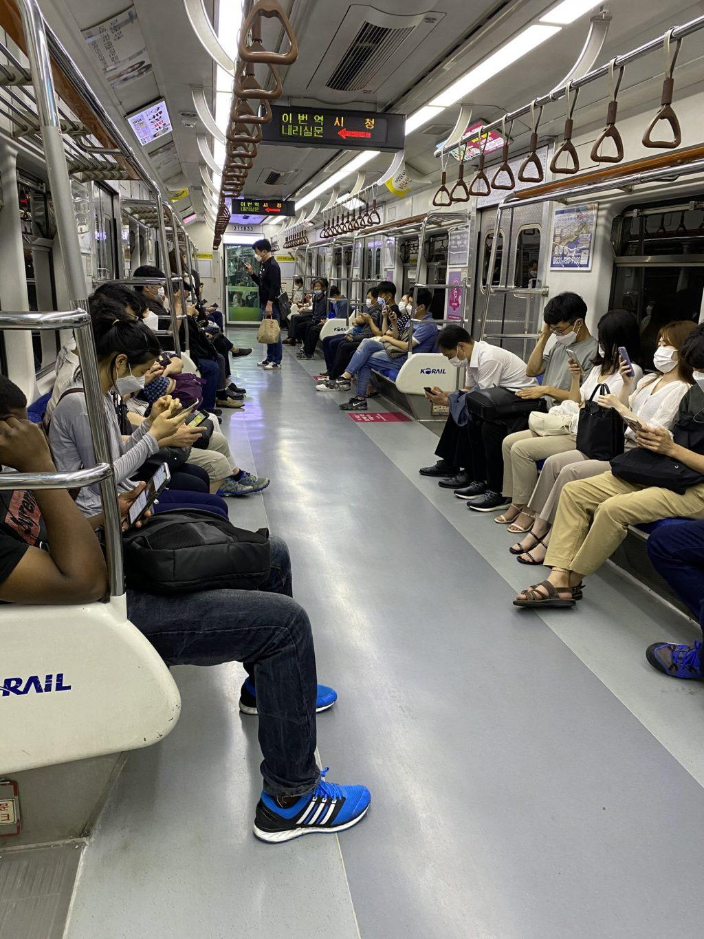 On Sept. 1, two days after the Seoul government raised COVID-19 regulations to level two-and-a-half, the subways remain crowded. Nearly everyone wore a mask while silently using their phones.