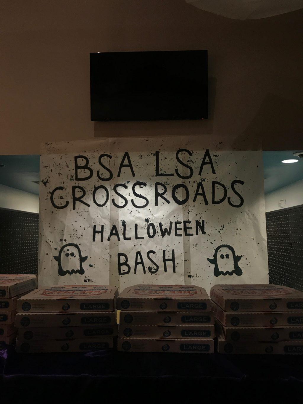 The Latino/a/x Student Association partnered with the Black Student Association and Crossroads for a Halloween Bash last October at the Sandbar on the Malibu Campus. Club members came together for pizza and dancing to celebrate Halloween. Photo courtesy of Isabella Mendoza