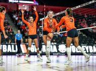 Women's Volleyball Overcomes Slow Start Against Georgia to Cap Off Opening Weekend
